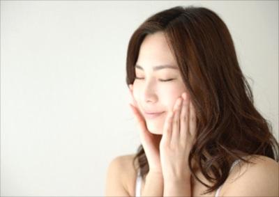 神戸の美容皮膚科【フォーシーズンズ美容皮膚科/美容外科】のフェイシャル・ケアでしみなどの肌トラブルにアプローチを